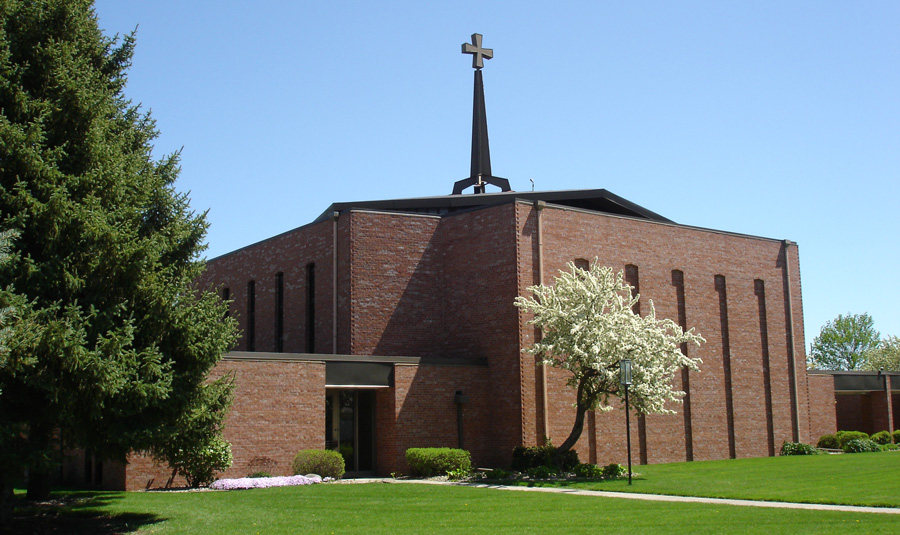 Exterior image of Memorial Lutheran Church on a sunny day